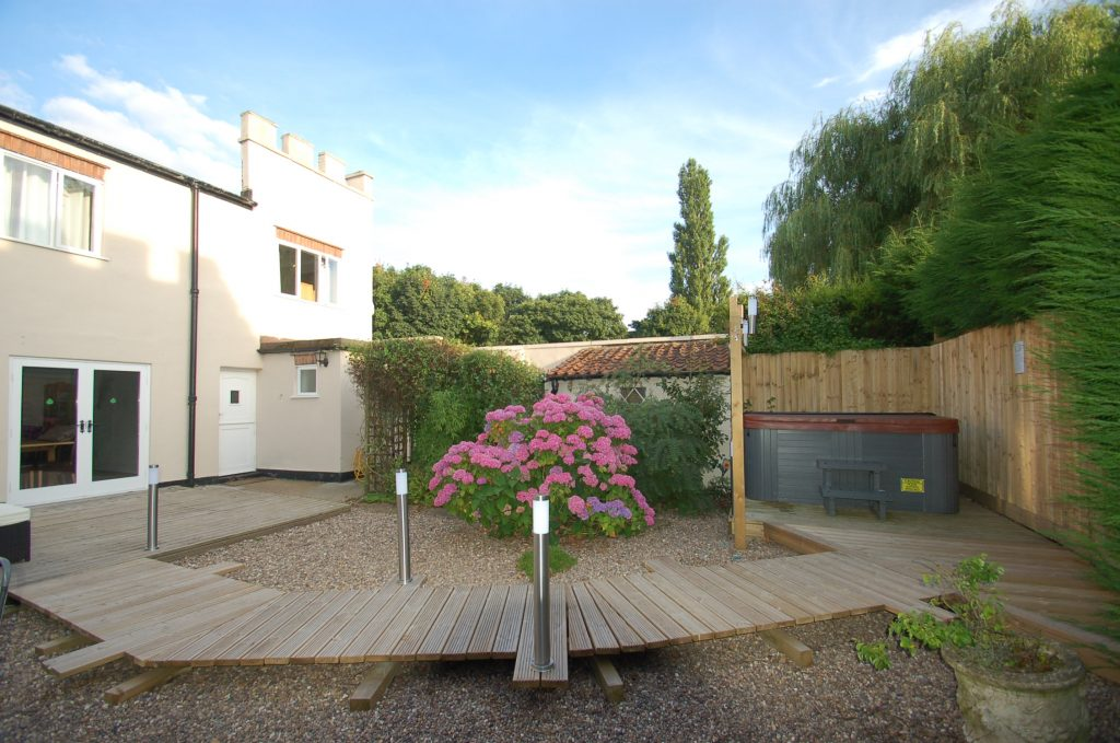Dog Friendly Family Holiday Cottage In Sherwood Forest
